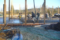 Pouring large pour using truss screed