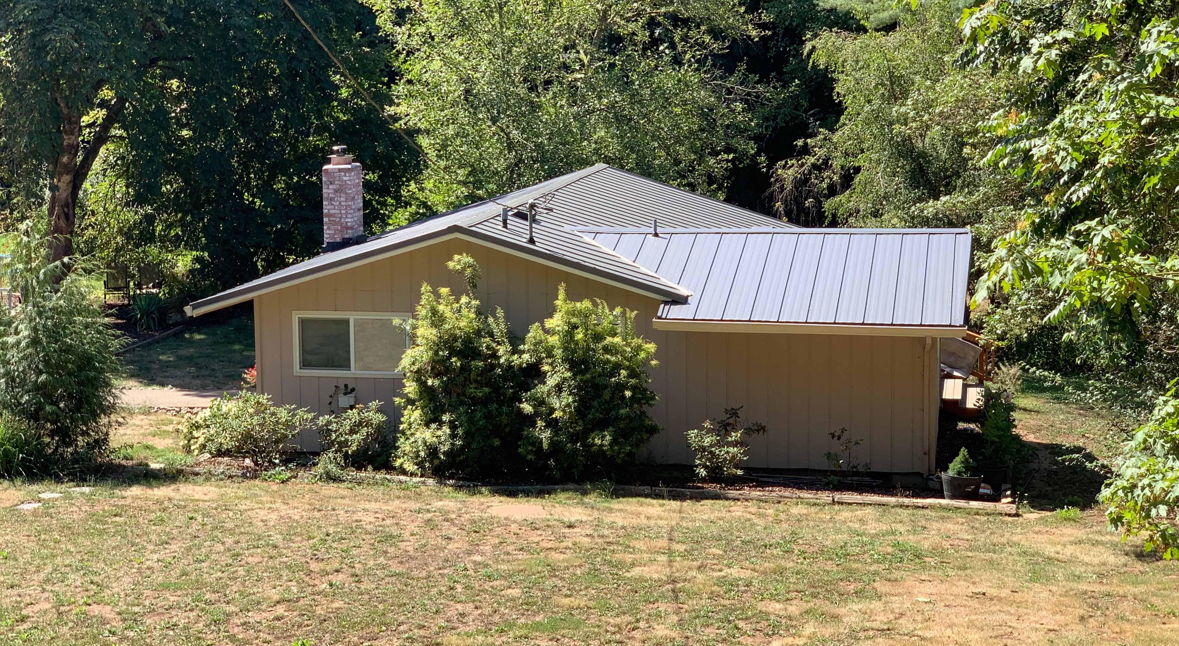 Roofing082901-1adj